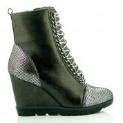 Czarne Sneakersy z Łańcuchem Fur Gun