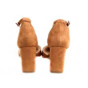 Sandały Na Słupku Z Delikatną Klamerką Kamelowe Meenie