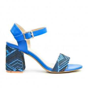 Sandały z Klamerką i Wzorkiem Niebieskie Joli Motif
