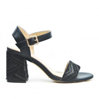 Sandały z Klamerką i Wzorkiem Czarne Joli Motif