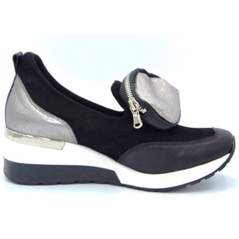 Sneakers With Sachet Leather Black Duvire
