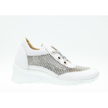 Sneakers On Shiny Wedge Leather White Odia