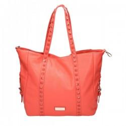 Czerwona torebka z kwadratowymi ćwiekami na pasku. Elegancka i pojemna.