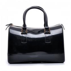 Torebka damska, gumowy kuferek, kolor czarny. Cudowna i pakowna torba.