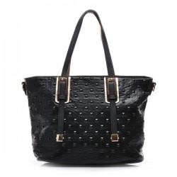 Czarna torebka damska z kwadratowymi ćwiekami. Elegancka i pojemna.
