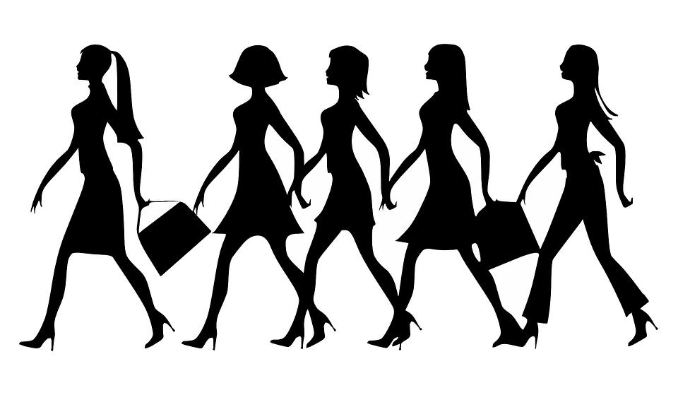 sylwetki kobiet w szpilkach